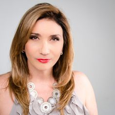 """Maria Izildinha """"Zizi"""" Possi born March 28, 1956) is a Brazilian singer from São Paulo, the daughter of Italian immigrants. She is the mother of another famous Brazilian singer, Luiza Possi. (born June 26, 1984)"""