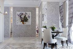 design_liberty_bishkek (555)290011   кухня с нашего проекта  продолжение... ) Светлые, лаконичные обои с растительным орнаментом по стенам, дополненные зеркалами, легкие шторы, удобные стулья- все это создает интересную компазицию. Ну а еще - стена между кухней и гостиной имеет стеклянные вставки☝️ больше наших по хеш тегам #дизайнинтерьераliberty #libertyдизайн #libertyкухни ____________________________________________ #дизайнкухни #дизайнинтерьеракухни #kitchen #designkitchen