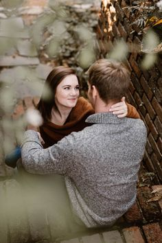 Cozy Fall Engagement Photos in Tennessee | Knoxville Engagement Photographer Erin Morrison Photography www.erinmorrisonphotography.com #knoxvillephotographer #knoxvilleweddingphotographer #knoxvilleengagemenphotographer #engagementphotos #engagementphotography #whattowearforengagementphotos #fallengagement #fallengagementphotos Engagement Outfits, Fall Engagement, Engagement Session, Engagement Photos, Engagement Photography, Wedding Photography, Golden Hour Photos, Fall Color Palette, Warm Autumn