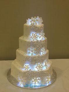 Calumet Bakery Snowflake Quince Fondant Cake