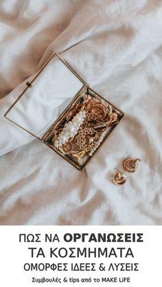 Πως να οργανώσεις τα κοσμήματά σου. Όμορφες ιδέες και λύσεις Jewelry Armoire, Antique Jewelry, Vintage Jewelry, Dusty Pink, Dusty Rose, Tips & Tricks, Gold Walls, Writing Styles