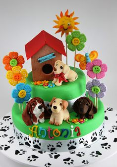 Maybe just one doggie on top! 3rd Birthday Cakes, Puppy Birthday, Bolo Sofia, Puppy Dog Cakes, Rodjendanske Torte, Dog Themed Parties, Animal Cakes, Puppy Party, Just Cakes