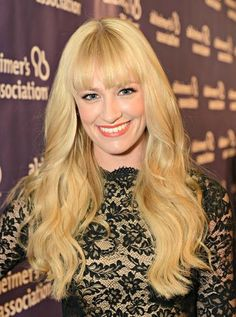Beth Behrs, of 2 Broke Girls supporting the Alzheimer's Association