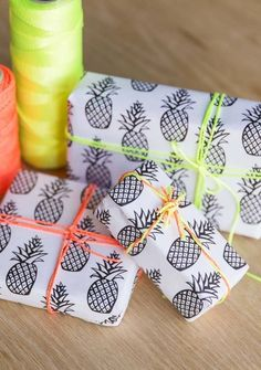DIY Free Printable Pineapple Wrapping Paper