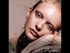 C21 e Brochure Avon Catalog, Avon Brochure, Avon Online, Avon Rep, Brochures, Campaign, Velvet, Glamour, Videos