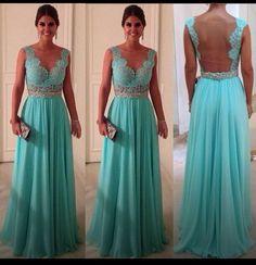 Tiffany blue bridesmaid dresses. Beautiful !