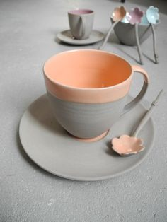 Stone & Color cup and saucer made by Suus Notenboom in grey and orange!!