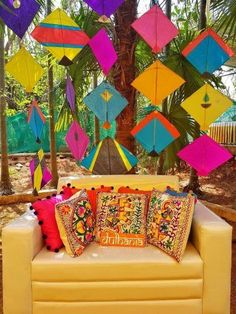 Gone are the days when one was way too extravagant with the Mehendi budget and went through over-the-top creativity. In it& all about minimal and DIY so we have curated these best DIY budge. Kite Decoration, Backdrop Decorations, Backdrop Ideas, Background Decoration, Diwali Decorations, Flower Decoration, Ceremony Decorations, Desi Wedding Decor, Wedding Decorations On A Budget