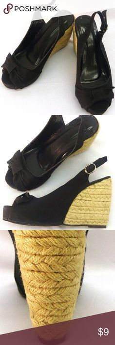 """Black Wedge Sandals Sz 7 Women Forever 21 Canvas Open Toe Wedge Sandal  Size 7  Deep Black  4.5"""" Platform Wedge  1"""" Front Hidden Platform  Open Toe  Adjustable Ankle Strap  Bow Overlay  Fabric/Canvas Uppers  Wooden, Braided Heel  Padded Footbed  Absolutely LOVELY Sandals- Super Cute With Cut Off Shorts, Capris, Skirts, Or Jeans- These TRULY Go With EVERYTHING!  New Without Box Forever 21 Shoes Wedges"""