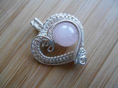 Стерлингового серебра сердца кулон розовый розовый кварц на OurFrontYard