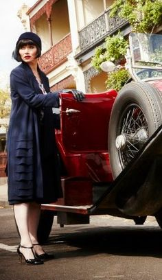 Essie Davis in 'Miss Fisher's Murder Mysteries'. 1920's Costuming.