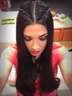 New hairstyles corto suelto ideas Cool Hairstyles For Girls, Long Face Hairstyles, Cool Braid Hairstyles, Work Hairstyles, Trendy Hairstyles, Medium Hair Styles, Natural Hair Styles, Short Hair Styles, Curls For Long Hair
