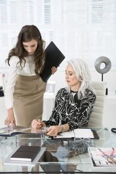 The Top Five Characteristics to Being a Good Executive Assistant (click) - My job and I love it. Not for the feint of heart.