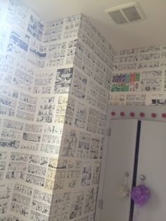 """""""Mom made our entire bathroom wall paper Calvin and Hobbes"""" ❤ I LOVE this idea for baby's room. Either in picture frames or as boarder. Or my room. Or any room! Calvin Und Hobbes, Calvin And Hobbes Comics, Bathroom Wallpaper, Of Wallpaper, Wallpaper Awesome, Calvin And Hobbes Wallpaper, Stripped Wallpaper, Pc Gaming Setup, Book Wall"""