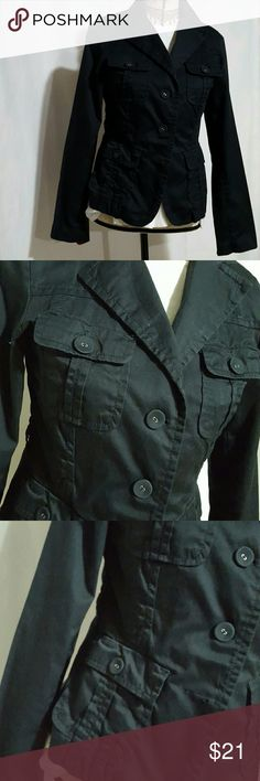 Navy Forever 21 blazer Light weight Navy blue jacket, fabric button closure, 4 pockets in the front, super cute on.  Junior size Medium.   Worn a few times. Excellent condition. Smoke free home Forever 21 Jackets & Coats