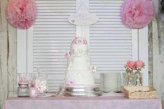 Cake it uit Assendelft, de mooiste romantische bruidstaarten.