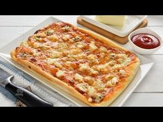Quattro formaggi four cheese pizza (CC Eng Sub) Restaurant, Doughnuts, Vegetable Pizza, Feta, Cheese, Vegetables, Bread, Diner Restaurant, Brot
