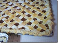 Sheet Pan Apple Pie for a crowd- finally a recipe big enough for the whole family!
