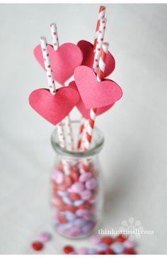 Pajitas monísimas para San Valentín / Cute straws for Valentine's Day Straw Valentine, Valentine Treats, Valentines Day Party, Valentine Day Love, Valentines Day Decorations, Valentine Day Crafts, Holiday Crafts, Spring Crafts, Straw Decorations