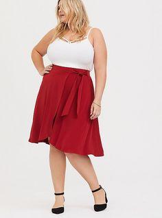 Tulip Skirt, Pleated Midi Skirt, Red Studio, Handkerchief Dress, Plus Size Skirts, Knit Wrap, Swing Skirt, Knit Skirt, Sexy Curves