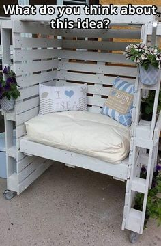 Wood Pallet Projects Pallets - Wood pallets have been around for decades as mechanisms for shipping and storing larger items (among other things). Recently, however, wooden pallets Wooden Pallet Projects, Pallet Crafts, Wooden Pallets, Diy Projects, Plastic Pallets, Pallet Wood, Project Ideas, Pallet Kids, Recycled Pallets