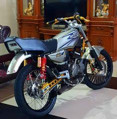 Image may contain: motorcycle Yamaha Rx100, Cafe Racer Build, Yamaha Motorcycles, Draco, Custom Bikes, Motocross, Adele, Bad, Honda