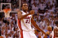 Stopama najboljeg košarkaša današnjice krenuo i njegov klupski drug iz Majamija. Nakon što je Majk Miler odlučio da se pridruži LeBronu Džejmsu u Kliv...