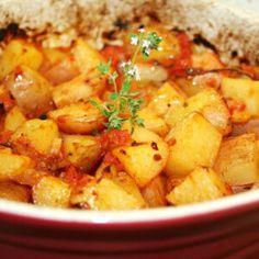 22 izgalmas krumpliköret a vasárnapi sült mellé | Nosalty Potato Recipes, Meat Recipes, Hungarian Recipes, Chana Masala, Sweet Potato, Potato Salad, Side Dishes, Food And Drink, Potatoes