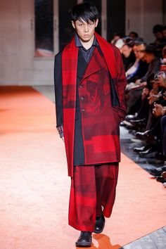 Yohji Yamamoto Fall 2018 Menswear Fashion Show Collection