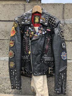 Rocker's leather jacket Rocker's leather jacket Studded Jacket, Men's Leather Jacket, Biker Leather, Leather Jackets, Vintage Leather Jacket, Denim Jackets, Jacket Men, Military Jacket, Punk Jackets