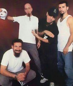 Serj, Shavo, Daron y John