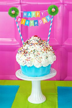 Easy and free printable birthday banner & LOVE this cake!  Going to make it for Clara's first birthday!  www.skiptomylou.org