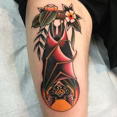 Super Ideas For Tattoo Traditional Bat Beautiful Knee Tattoo, Forearm Tattoos, Back Tattoo, Sleeve Tattoos, Tattoo Old School, Trendy Tattoos, Tattoos For Guys, Tattoos For Women, Traditional Tattoo Bat