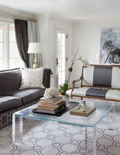 Mixing it up in this living room