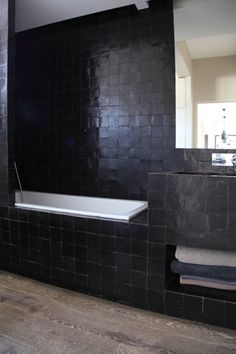 'Blackie' bathroom with zelliges tiles Black Tile Bathrooms, Chic Bathrooms, Bad Inspiration, Bathroom Inspiration, Vienna House, Archi Design, Black Tiles, Wet Rooms, California Homes