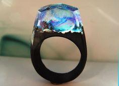 Nothern anello di legno chiaro. Mondo segreto all'interno