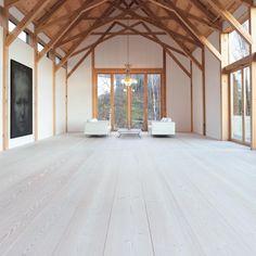 "144 tykkäystä, 1 kommenttia - Dinesen (@dinesen) Instagramissa: ""A stunning ceiling with exposed beams, wide Douglas floor planks and big windows make an exquisite…"""