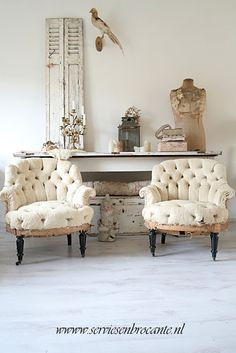 Submit vitalized Shabby Chic Home vintage French Decor, French Country Decorating, Shabby Chic Homes, Shabby Chic Furniture, Small Furniture, Furniture Design, Deco Furniture, Furniture Vintage, Vintage Chairs