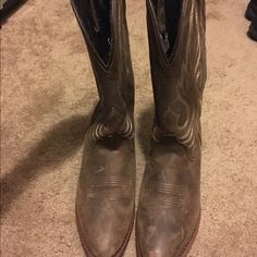 Laredo Cowgirl boots! super cute brand new worn around the house only boots from county outfitters! these boots paired with a cute dress will make your outfit complete! size 7.5 laredo Shoes Heeled Boots
