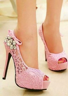 18 Cute High Heels Inspirations To Complete Your Girly Style | re-pinned by http://www.wfpblogs.com/category/rachels-blog/