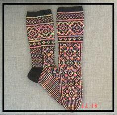 Knit Socks, Knitting Socks, Mittens, Crochet, Fashion, Fingerless Mitts, Moda, Fashion Styles, Fingerless Mittens