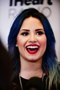 Demi Lovato's hair in this is pretty for her, but the makeup is absolutely FANTASTIC and I would love to try this look on me!