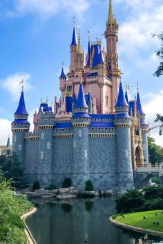 """We just returned from our visit to Walt Disney World, and the question we are asked most frequently is """"What was it like wearing a mask at Disney World?"""". With all the questions we've been getting, we want to share our experience with you. Hopefully, our experiences can help you decide whether it's something you're comfortable with. Here is what it was like for us wearing a mask at Disney World! #disneytips #covidtravel #disneyworld Disneyland Paris France, Tokyo Disneyland, Disney World Florida, Disney World Parks, Disney Hub, Disney Tips, Disney Fast Pass, Disney World Pictures, Walt Disney Animation Studios"""