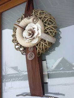 (notitle) - Make Vases - Dekoration Diy Wreath, Door Wreaths, Burlap Wreath, Bow Tutorial, Bedroom Color Schemes, First Photograph, Beautiful Interiors, Christmas Decorations, Vase