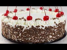 Reteta zilei: Tort padurea neagra Black Frosting, Russian Cakes, Romanian Food, Romanian Recipes, Black Forest Cake, Foods To Eat, Savoury Dishes, Dessert Recipes, Desserts