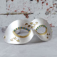 White Domino Papier Mache Eye Masks Blank Decorate Your Own Pack of 2