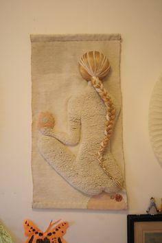 Living With Kids: ace&jig ⋆ Design Mom Weaving Art, Loom Weaving, Tapestry Weaving, Moss Art, Textile Fiber Art, Crochet Home Decor, Macrame Design, Ribbon Art, Boho Diy