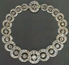 Tiara Mania: Duchess of Teck's Hoop Necklace Tiara, c. 1860