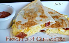 Table for Breakfast Quesadilla! This looks super yummy! Scrambled eggs or egg whites, bacon, and a toasted tortilla! What's For Breakfast, Breakfast Dishes, Breakfast Recipes, Sin Gluten, Breakfast Quesadilla, Breakfast Burritos, Homemade Waffles, Homemade Salsa, Love Food