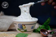 Mis je als volger van de paleo-lifestyle echte gesmolten kaas? Probeer dan dit recept. Bowl Set, Mozzarella, Love Food, Panna Cotta, Paleo, Dinner, Lifestyle, Gluten, Board